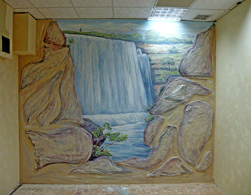 ציורי קיר של מפל למועדון