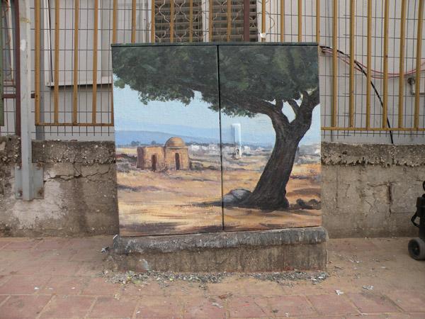ציור של קבר רחל על ארון חשמל ליד בית ספר