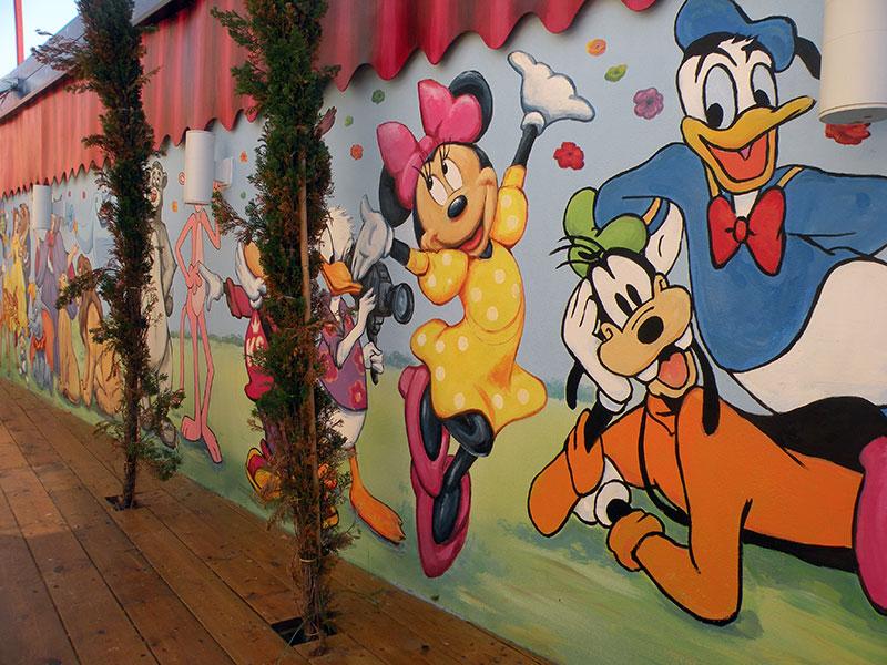 מיקי מאוס וחבריו ציורי קיר לגן ילדים