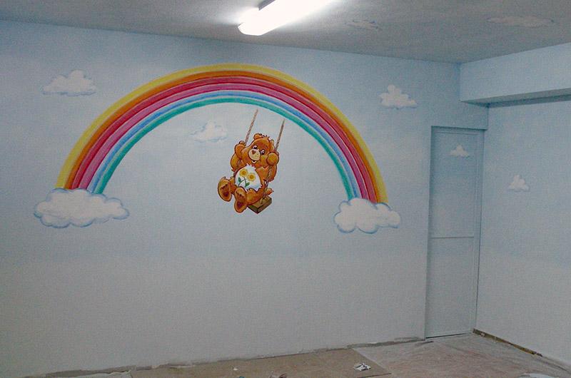 ציורי קיר דובון אכפת לי וקשת לגן ילדים
