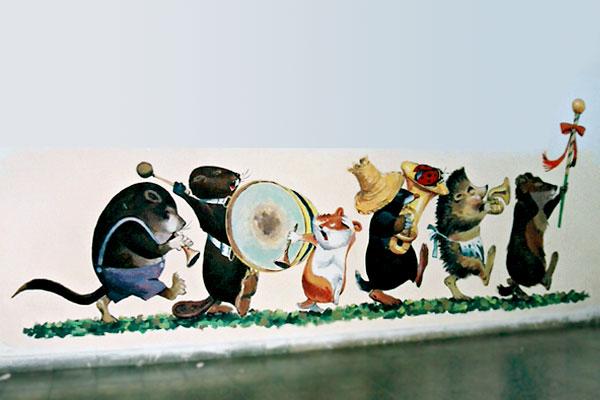 ציורי קיר של קיפוד ועוד בגן ילדים
