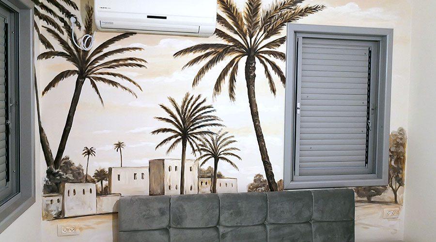 ציור של נוף עם דקלים בחדר שינה