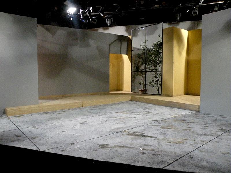 תפאורה לתיאטרון בית צבי