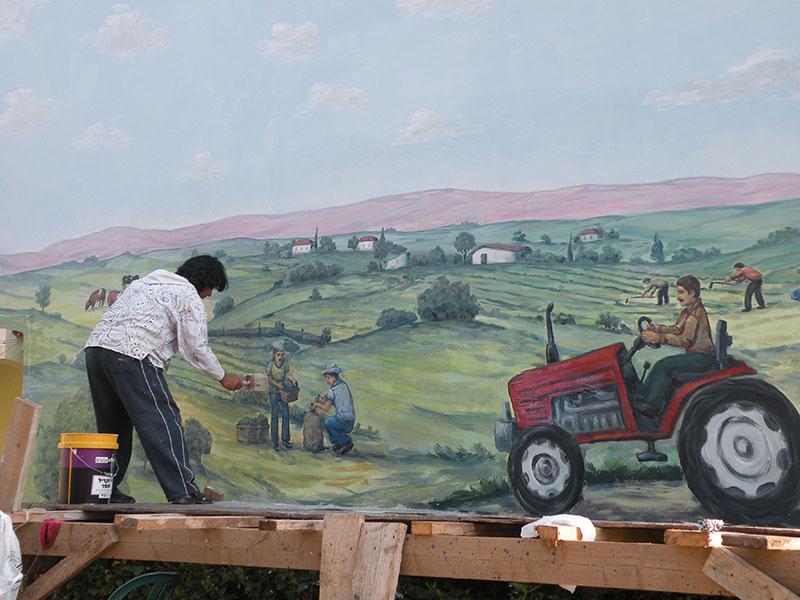תהליכי עבודה של ציורי קיר במושב