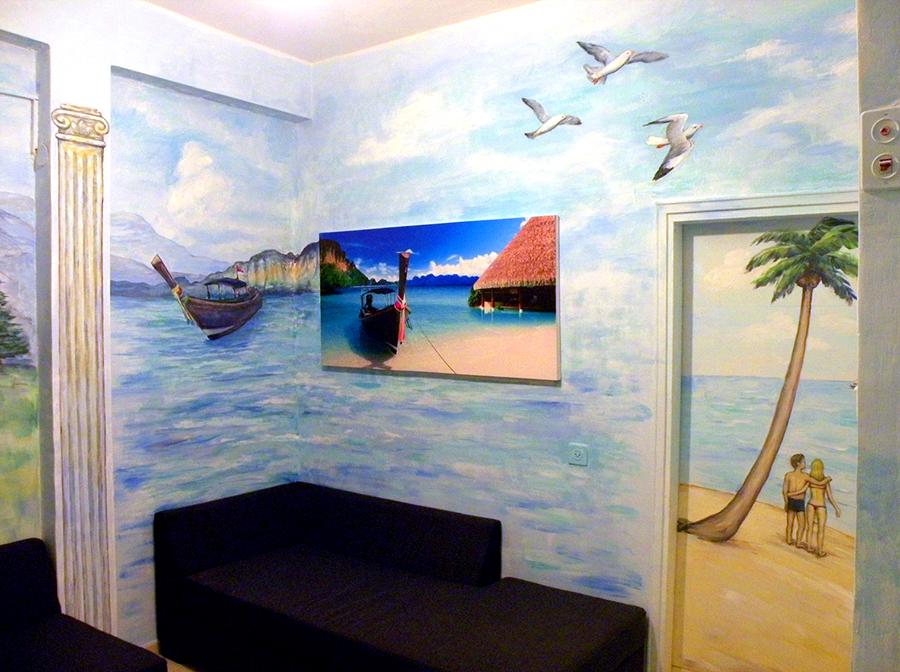 ציורי קיר מסביב לתמונה