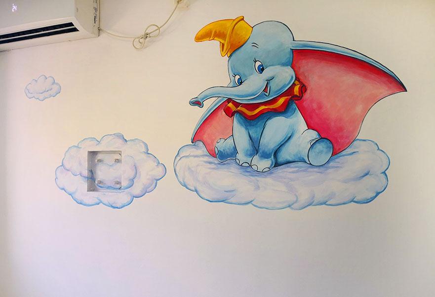 דמבו הפיל המעופף ציור לחדר תינוקות