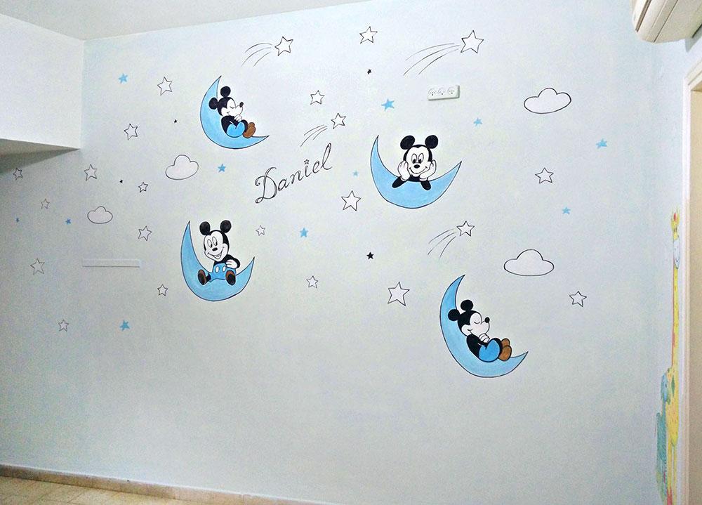 עיצוב חדר תינוקות לדניאל באמצאות ציורי קיר