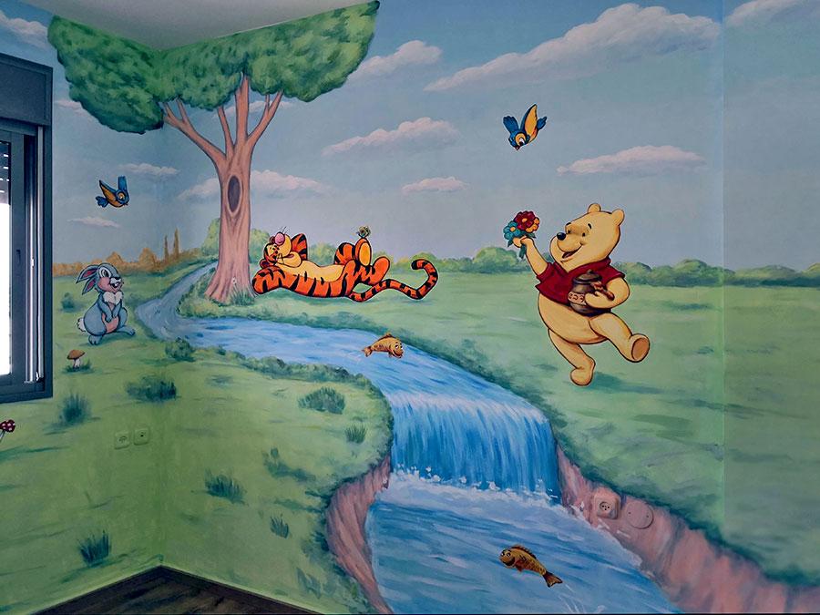פו הדב ונמר ליד נחל ציור קיר לילדים