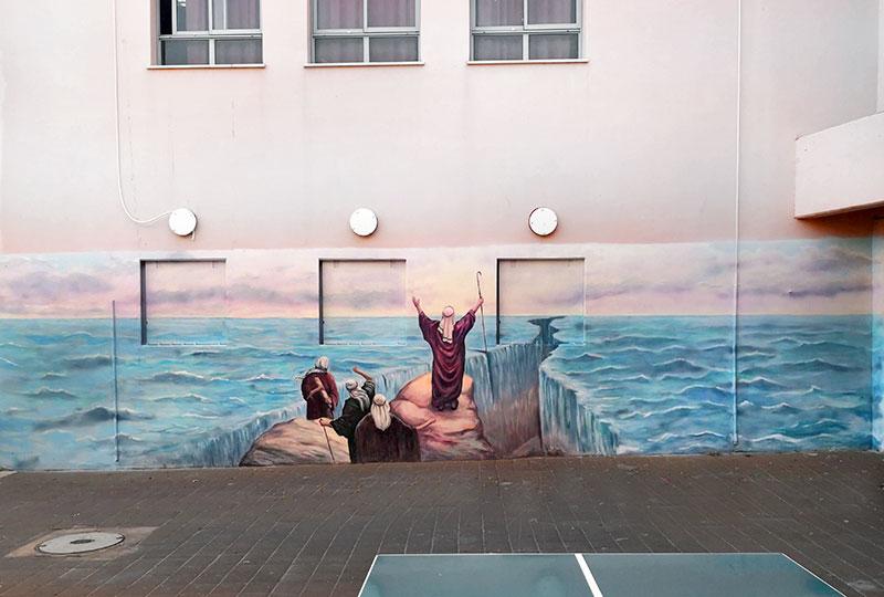 קריעת ים סוף - ציורי קיר בבית ספר