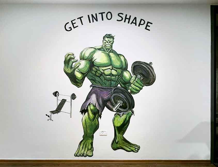 ציור קיר של הענק הירוק בחדר כשר