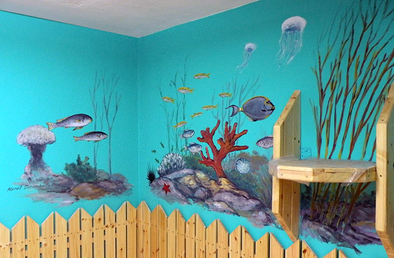 ציורי קיר עולם תת ימי על רקע ירוק
