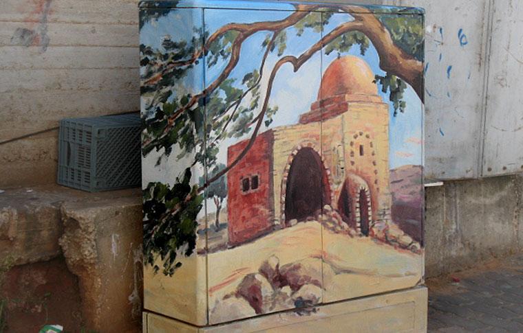 ציור של קבר רחל על ארון חשמל